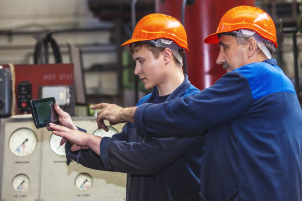 The Internet of Things can help facilities managers manage their equipment and employees, possibly cutting losses.